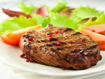 Rib eye steaks met chili boter en eigengemaakte friet