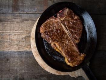 T-Bone steak met geroosterde aardappelen