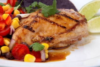 Geroosterde kip met een Champignonvulling