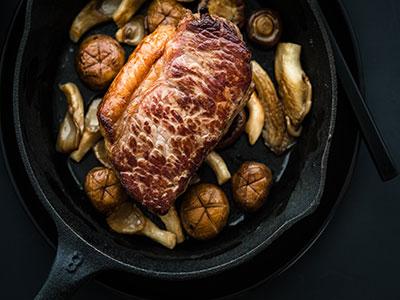 Entrecote steak met gebakken champignons