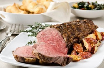 Beef tenderloin with gorgonzola